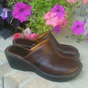 Born leather clogs dark brown